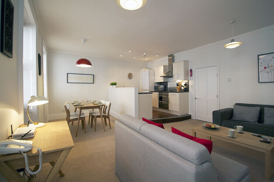Gower Street Three Bedroom Apartment for Five