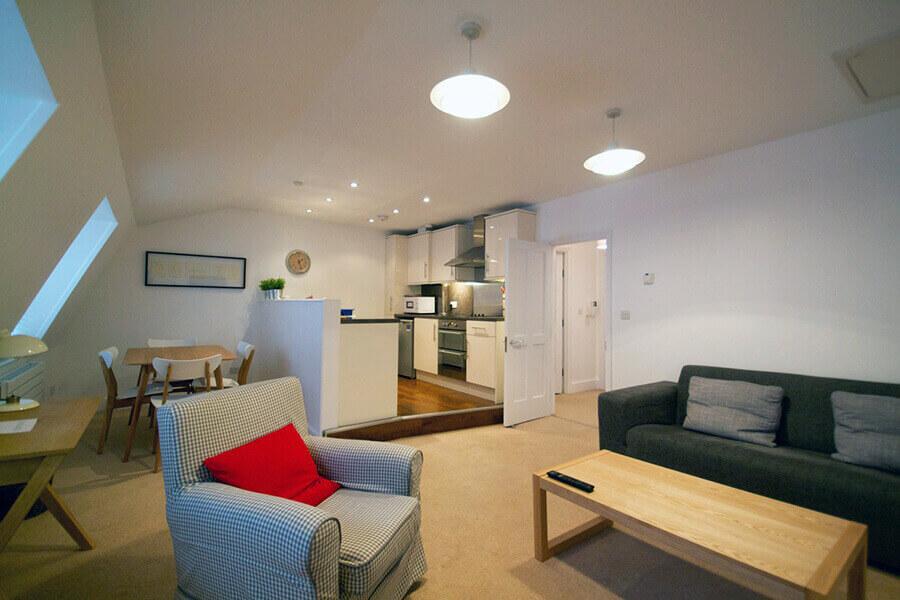 Gower Street Three Bedroom Apartment 3