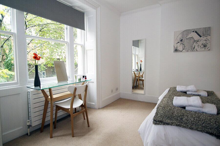 Gower Street Three Bedroom Apartment 18